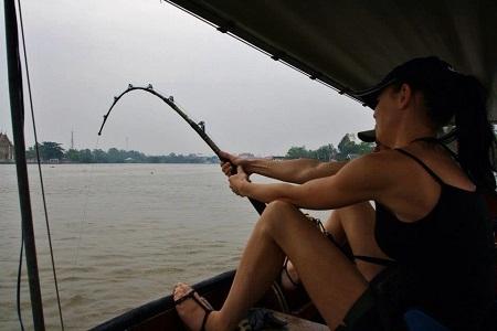 Thailand Giant freshwater stingray fishing Maeklong River